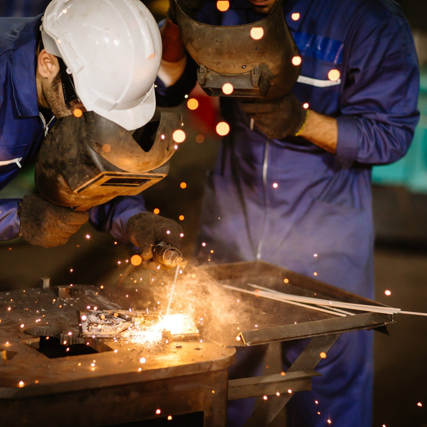 welding-hardhat-engineer-face-equipment-protection-manufacture-skill-large-handsome-workplace-hard_t20_A91OJK
